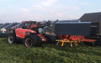 Eerste gras bij familie Stolwijk moeiteloos ingekuild